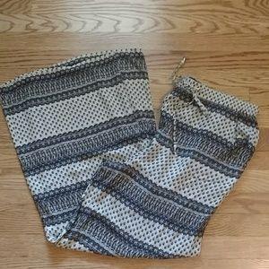 NWT AEO  beige and navy Beach pants medium